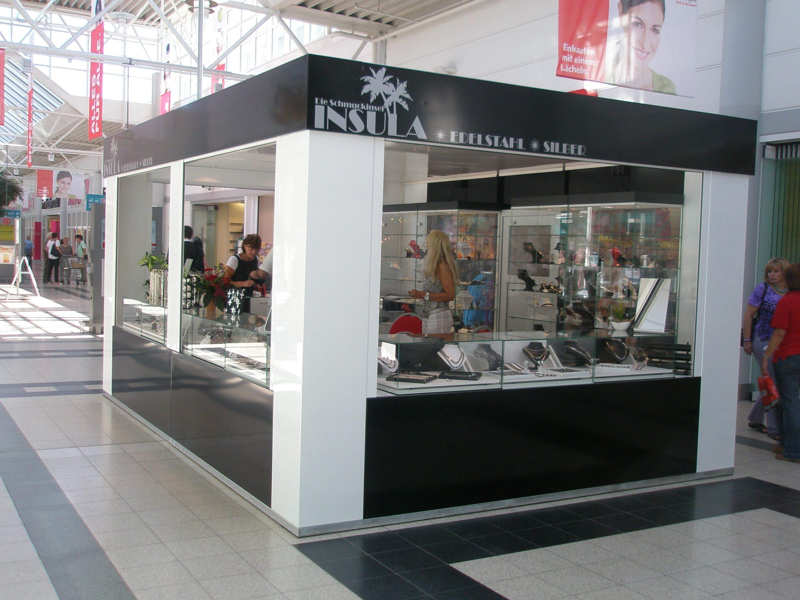 Schmuck Merchandise Kiosk Pavillon Mall Verkaufsstand Einkaufszentrum Indoor Cube