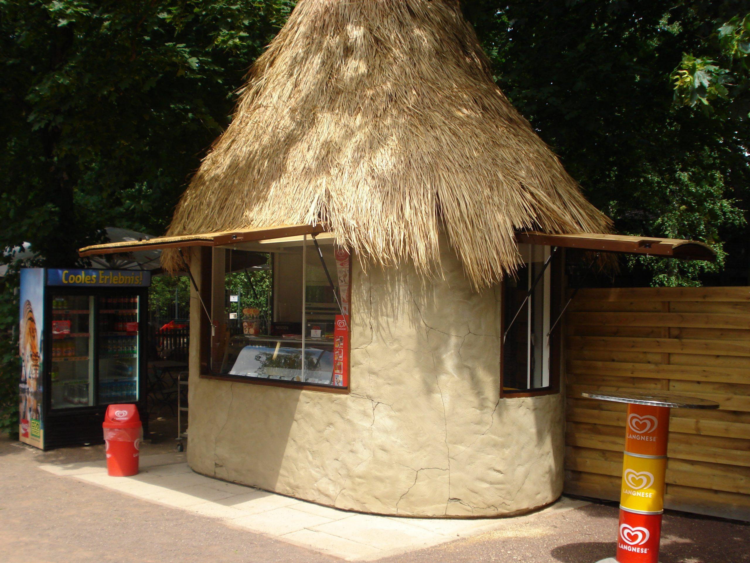 Kiosk Pavillon Imbiss Verkaufsstand Bäcker Brötchen oval Holz