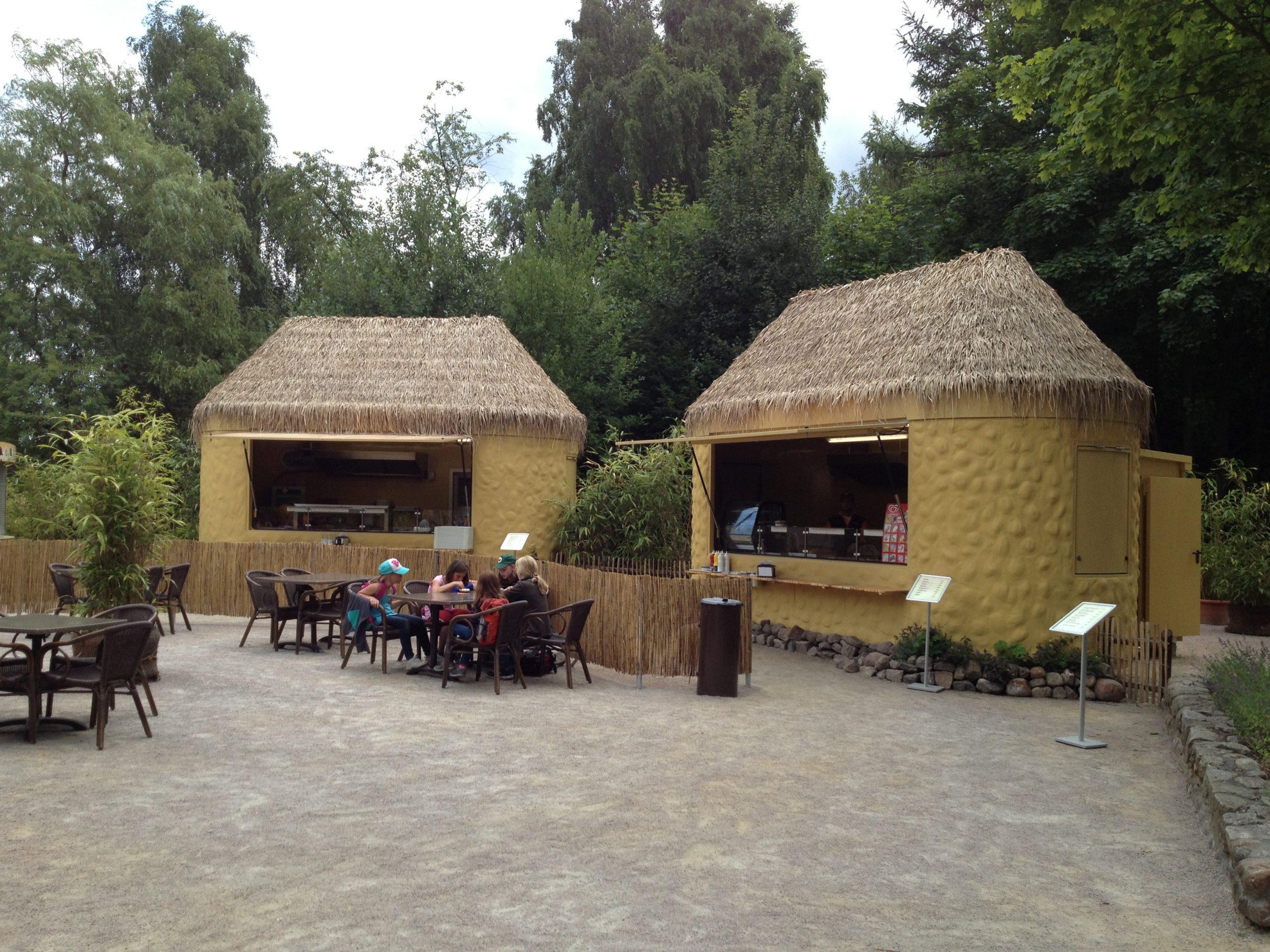 Kiosk Pavillon Imbiss Verkaufsstand Bäcker Brötchen Holz