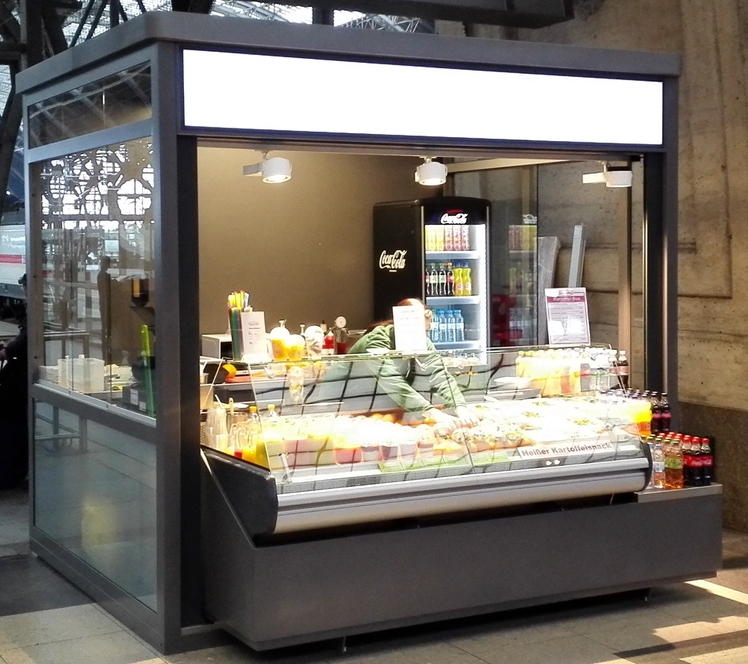 Kiosk indoor Fruits smoothies